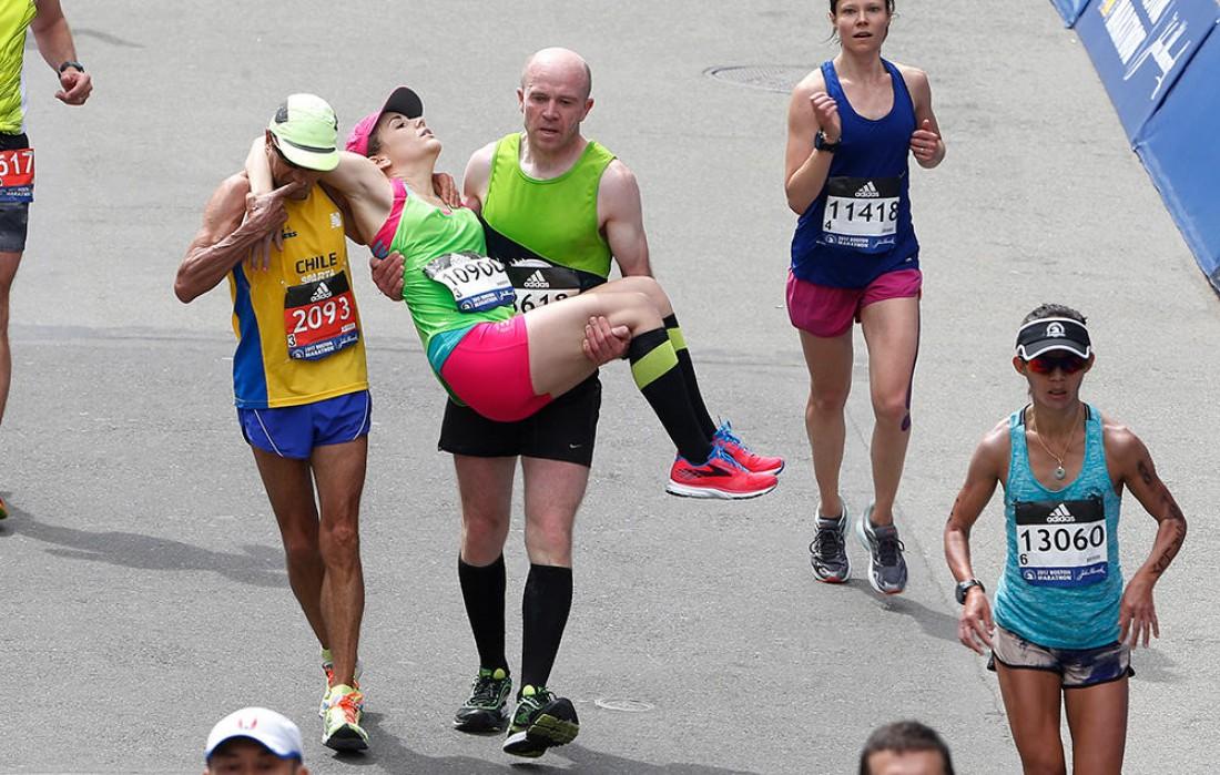 Бостонский марафон 2017 доказал: бегун бегуну — еще какой товарищ