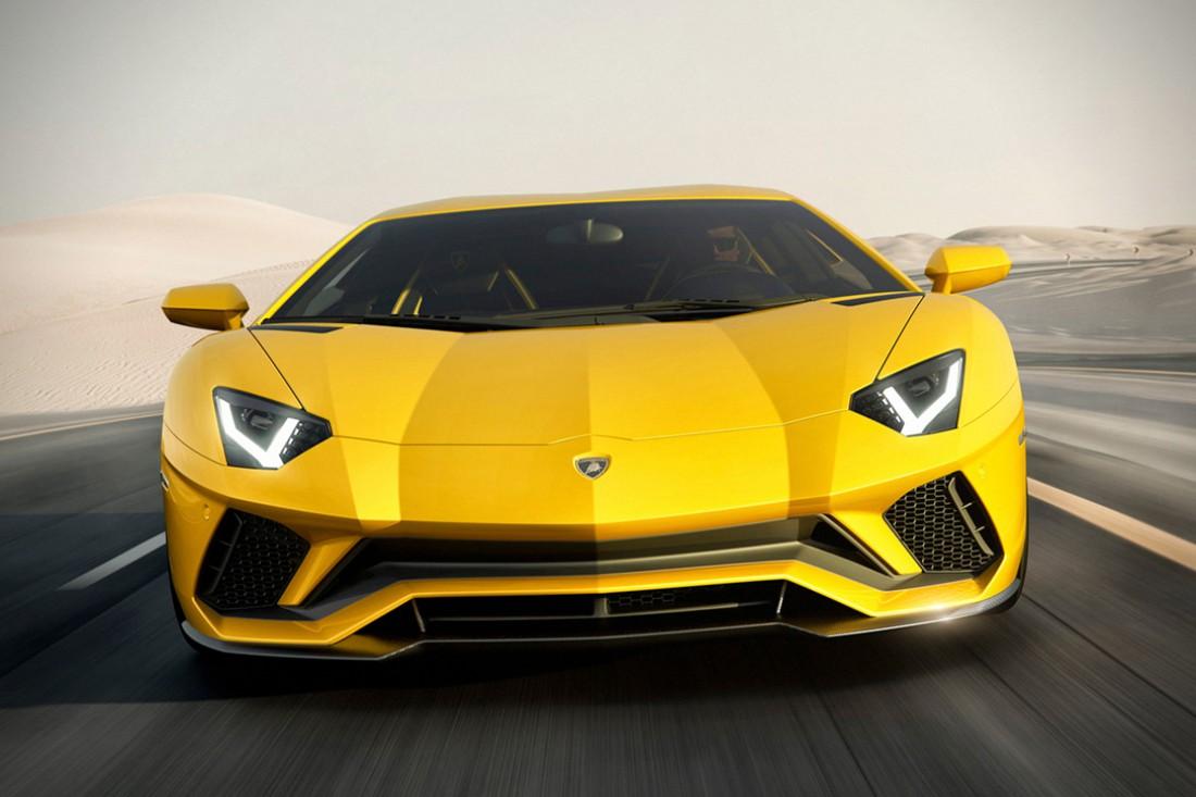 Желтый бык Lamborghini Aventador S