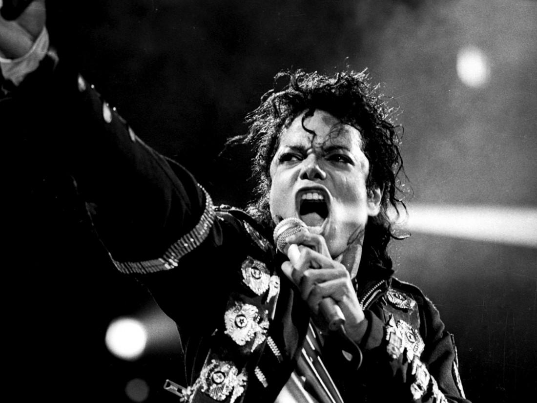 Майкл Джексон — самый богатый и все еще зарабатывающий покойник