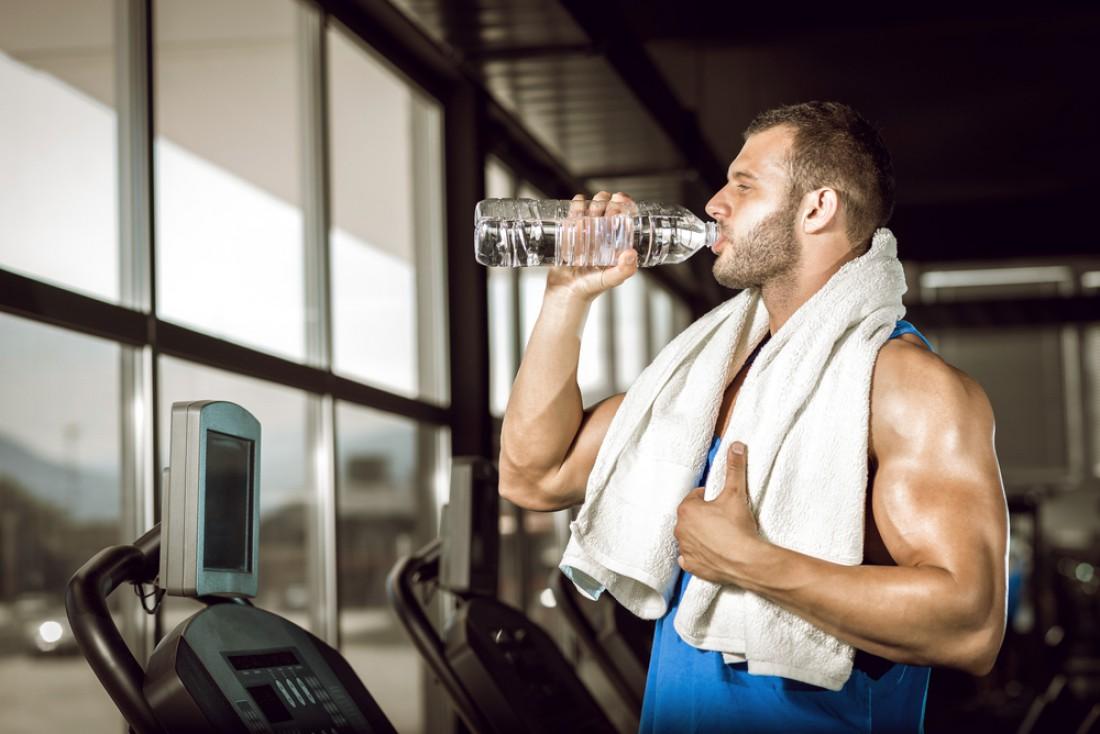 Хочешь быть сильным и выносливым? Пей воду