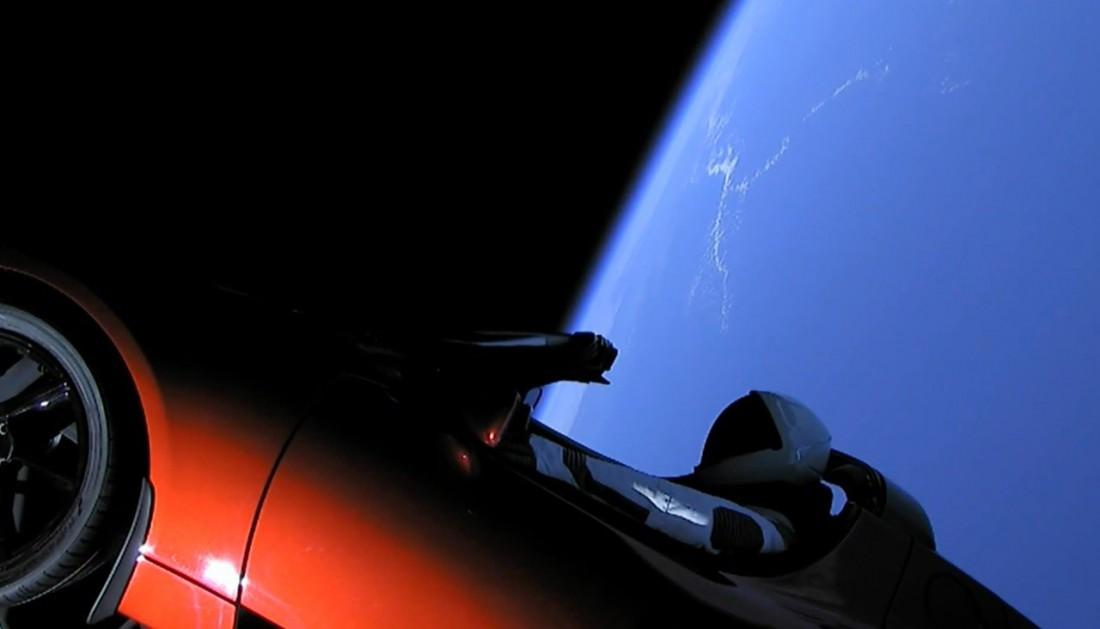 Теперь Tesla Roadster Илона Маска — космический корабль