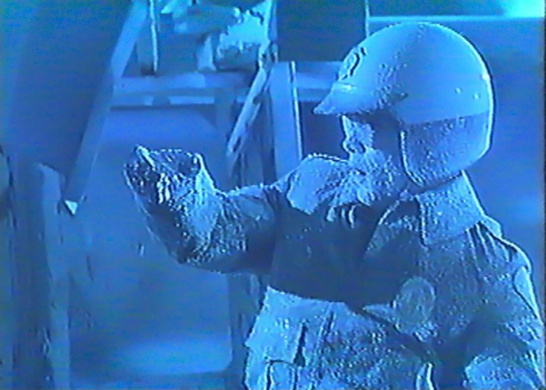 Замороженный Т-1000 (кадр из к/ф