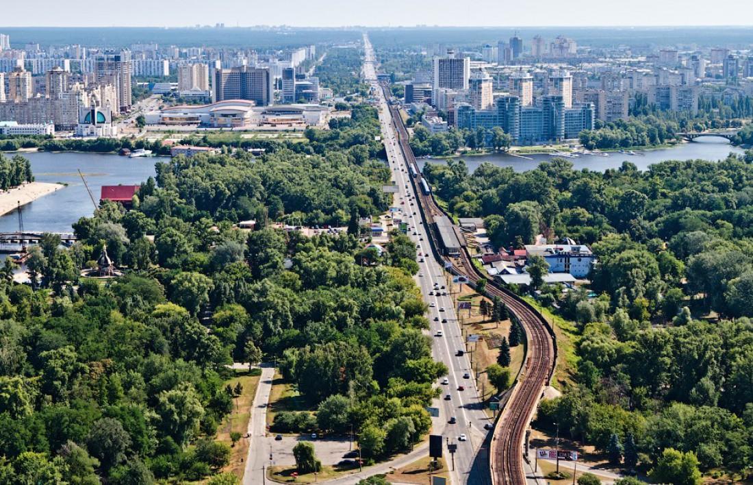 Броварской проспект и метро Гидропарк. Вид сверху