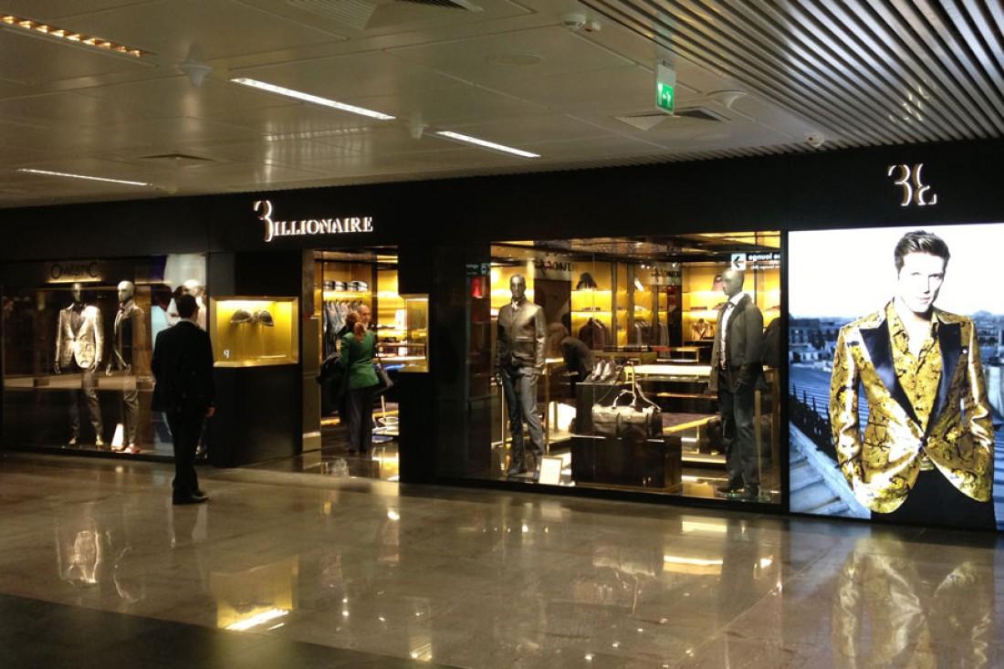 Если сравнишь бутики Billionaire Italian Couture с ювелирными магазинами, то ни грамма не прогадаешь