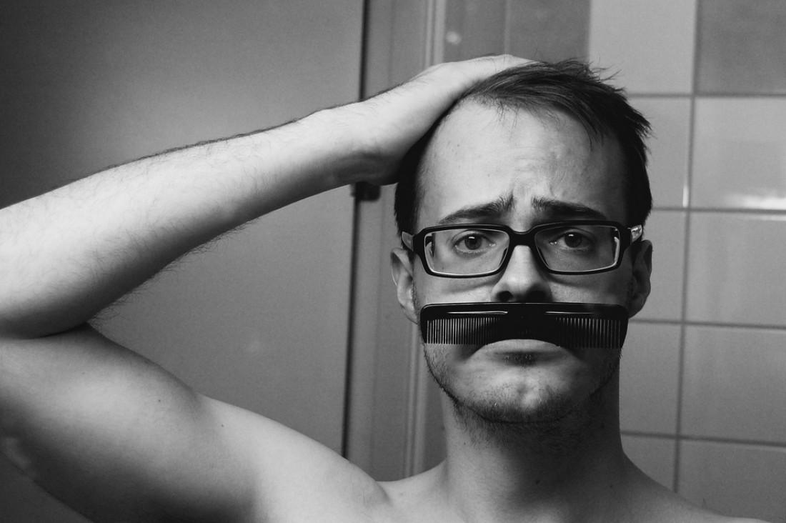 Причешись и напяль очки — будешь выглядеть умнее, меньше подумают, что вчера напился