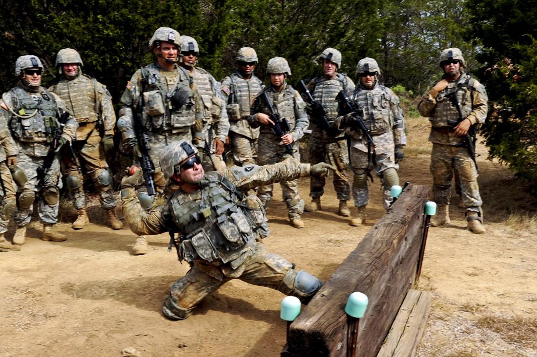 Максимальная дальность броска гранаты — до 40-ка метров