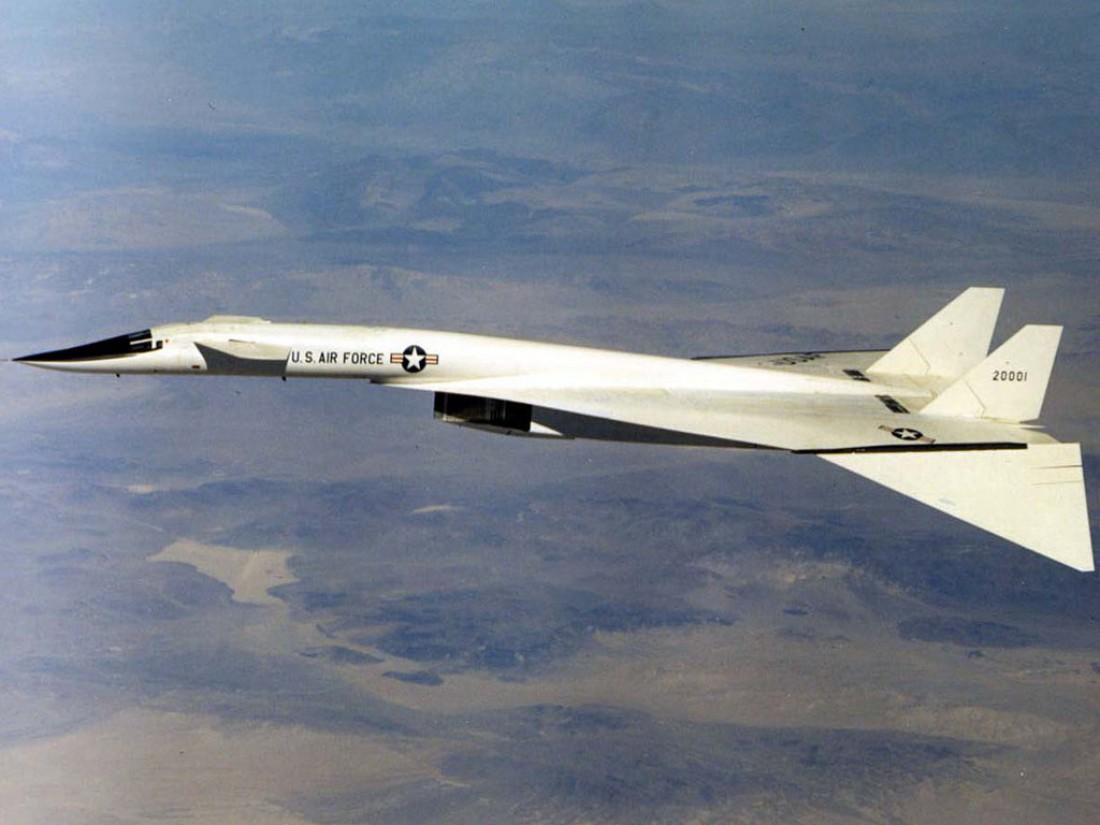 XB-70 Valkyrie. Стратегический бомбардировщик, которого больше нет