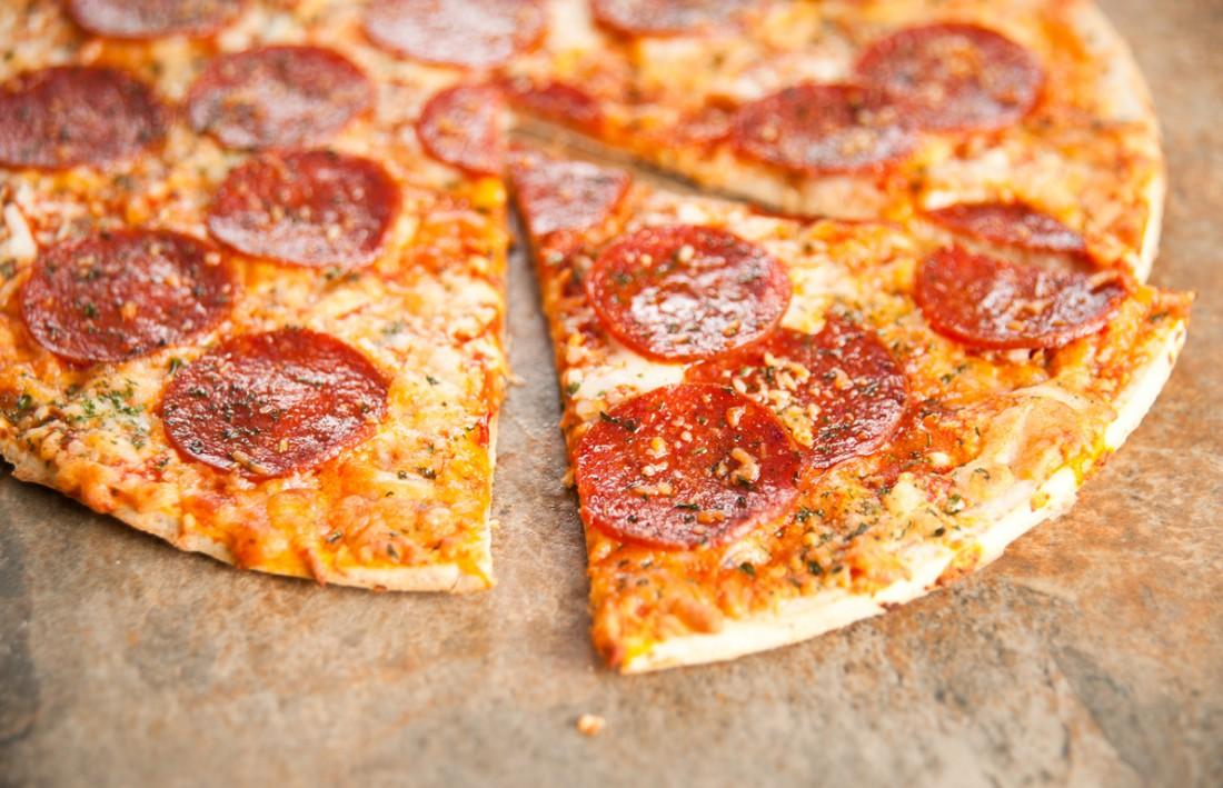 Когда лень готовить, тогда на помощь приходит пицца