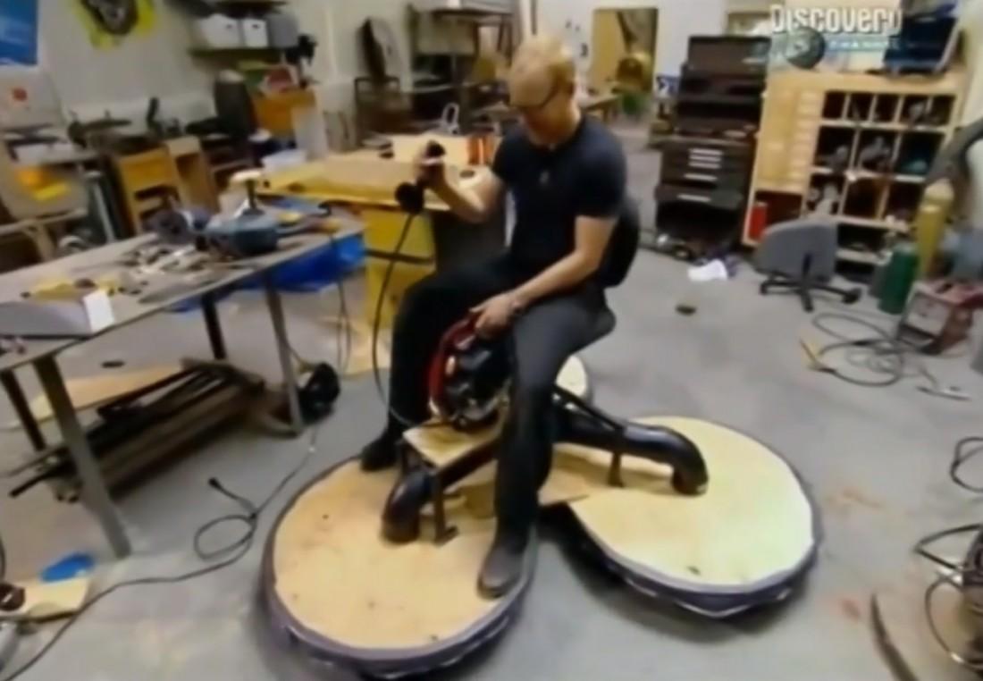Адам Сэвидж и построенная его командой левитационная машина