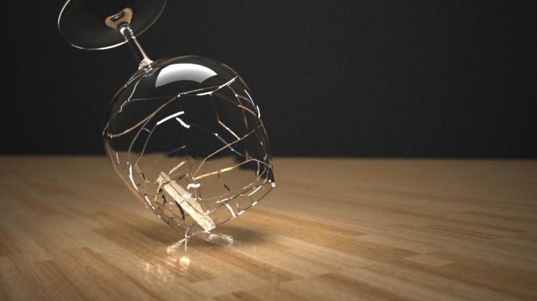 Народная примета: разбил бокал — дело к уборке