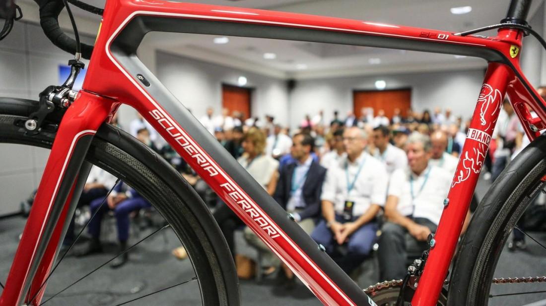 Scuderia Ferrari SF01 — итальянский шоссейный велосипед за €15 тысяч