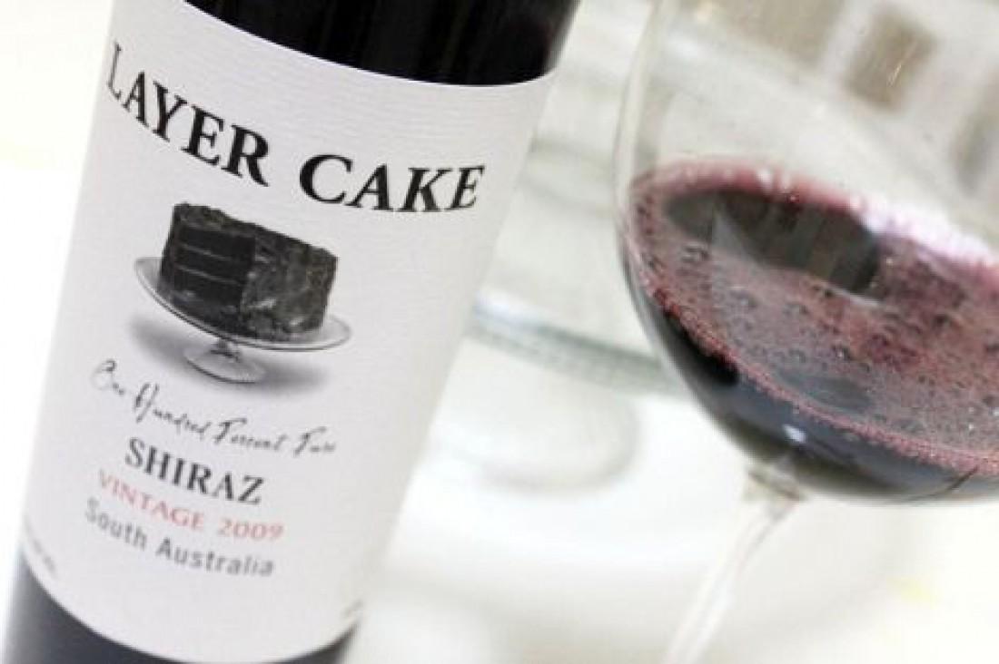 Вино из винограда шираз. Идеально для пиццы с колбасками