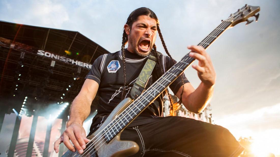Бас-гитара — почти единственный инструмент, издающий по-настоящему мужские звуки