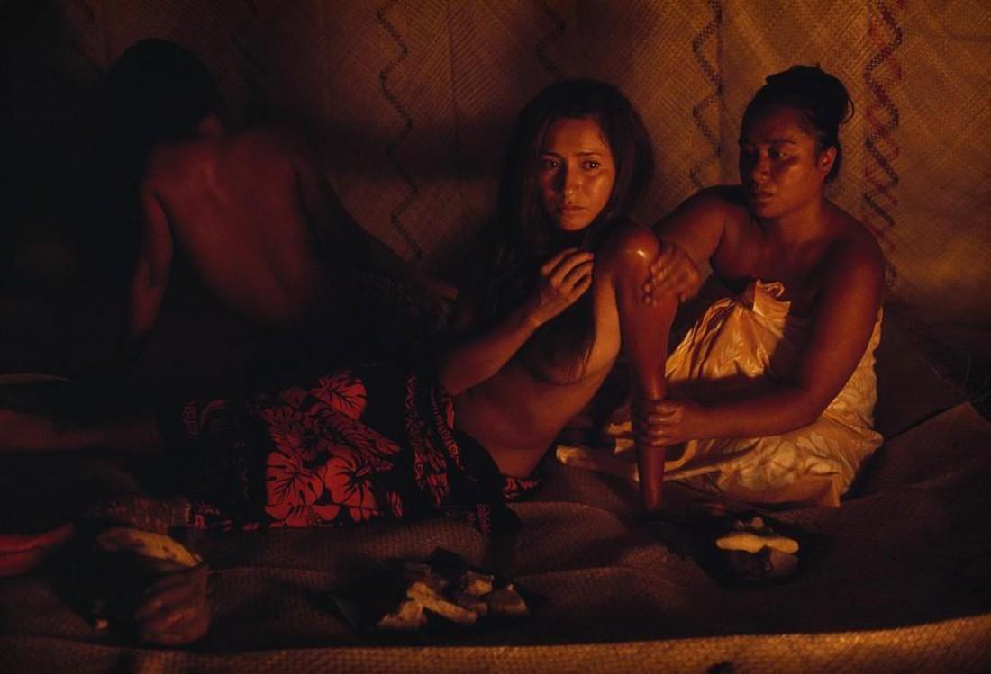 Одна из традиций Таити — откармливать девочек