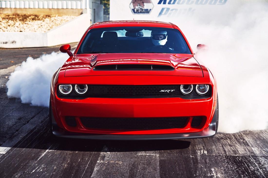 До 96 км / час Dodge Challenger SRT Demon разгоняется за 2,3 секунды