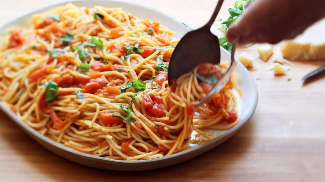 Убей весенний авитаминоз: готовь идеальное спагетти со свежими овощами