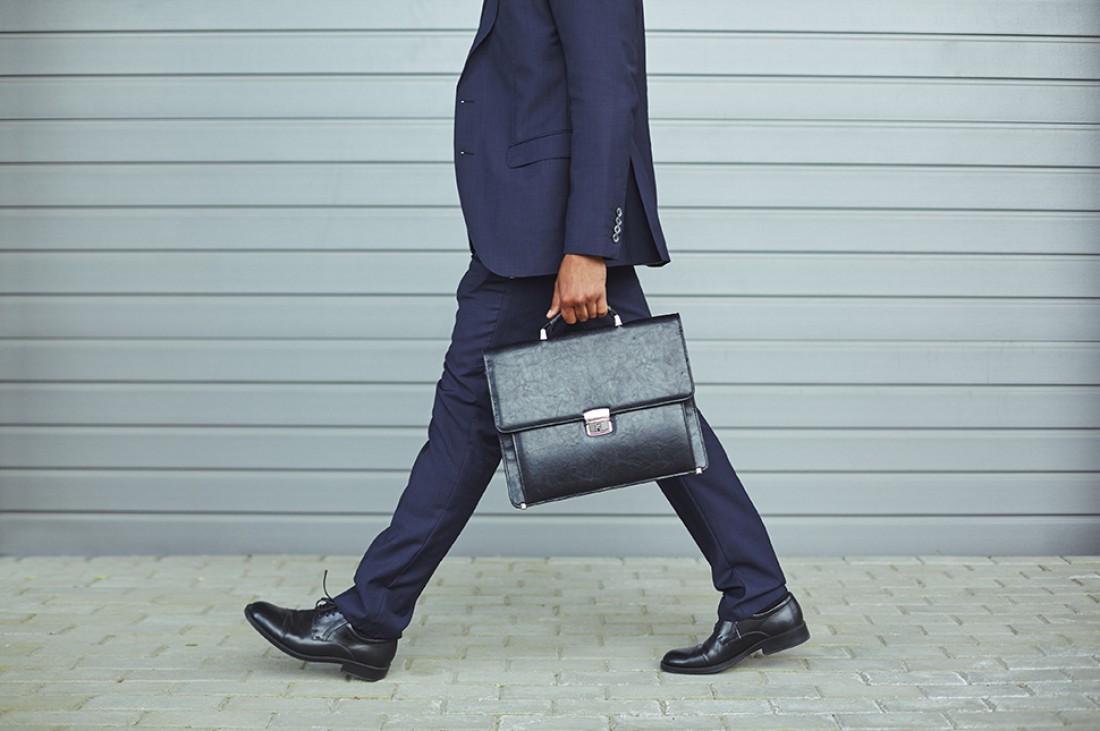 Портфель выбирай в тон обуви / ремню и в соответствие наряду