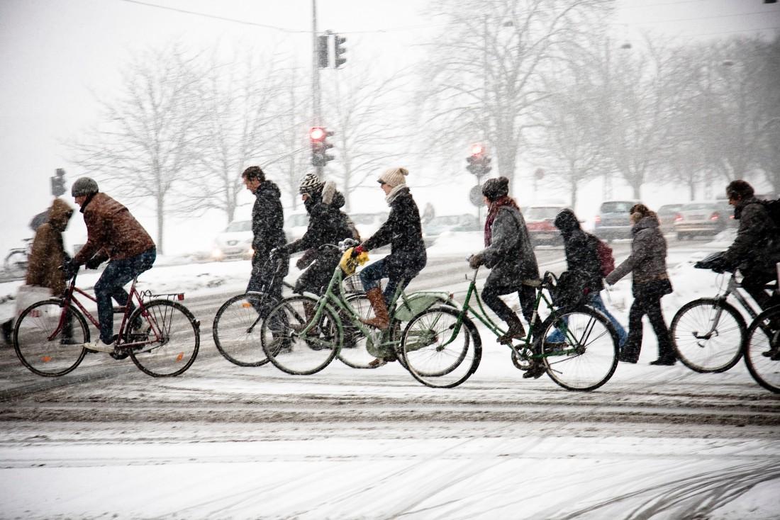 Кто сказал, что зимой нельзя кататься на велосипеде?