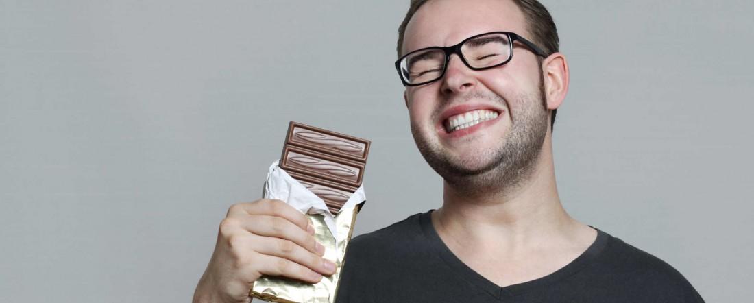 Как бросить курить — налегай на черные шоколадки