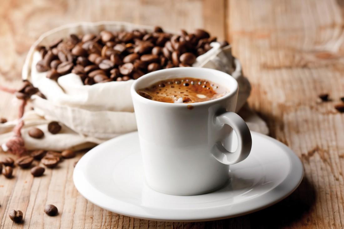 Суточная норма кофеина - не более 400 миллиграммов в сутки