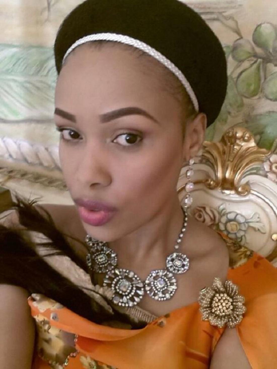 12-я по счету жена Мсвати III (король Свазиленда) — Нотандо Дубе