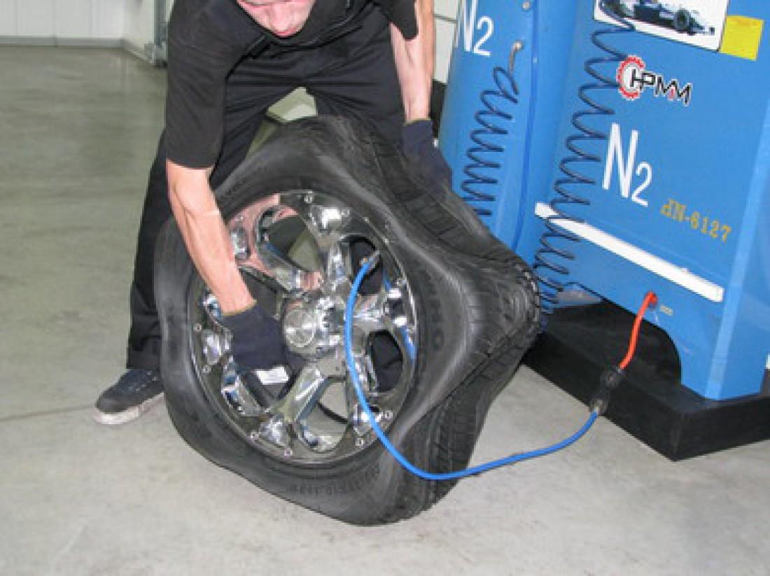 Всегда проверяй давление в шинах перед дальней дорогой