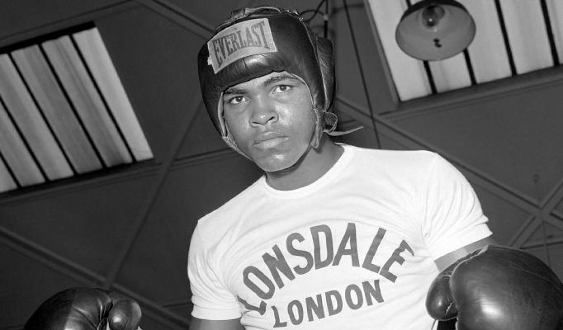 В непрофессиональном боксе Мухаммед Али провел 108 поединков