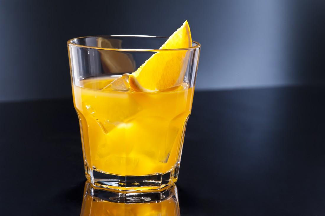 А как ты смешиваешь водку с апельсином?