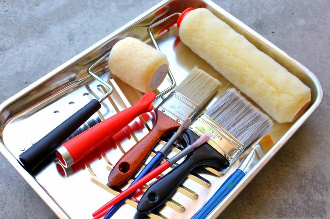 После покраски отмывай инструменты. Так они прослужат дольше