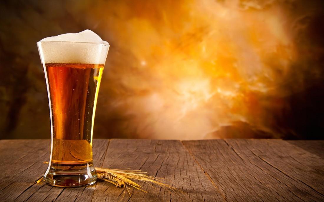 Белое пиво любит высокие стаканы