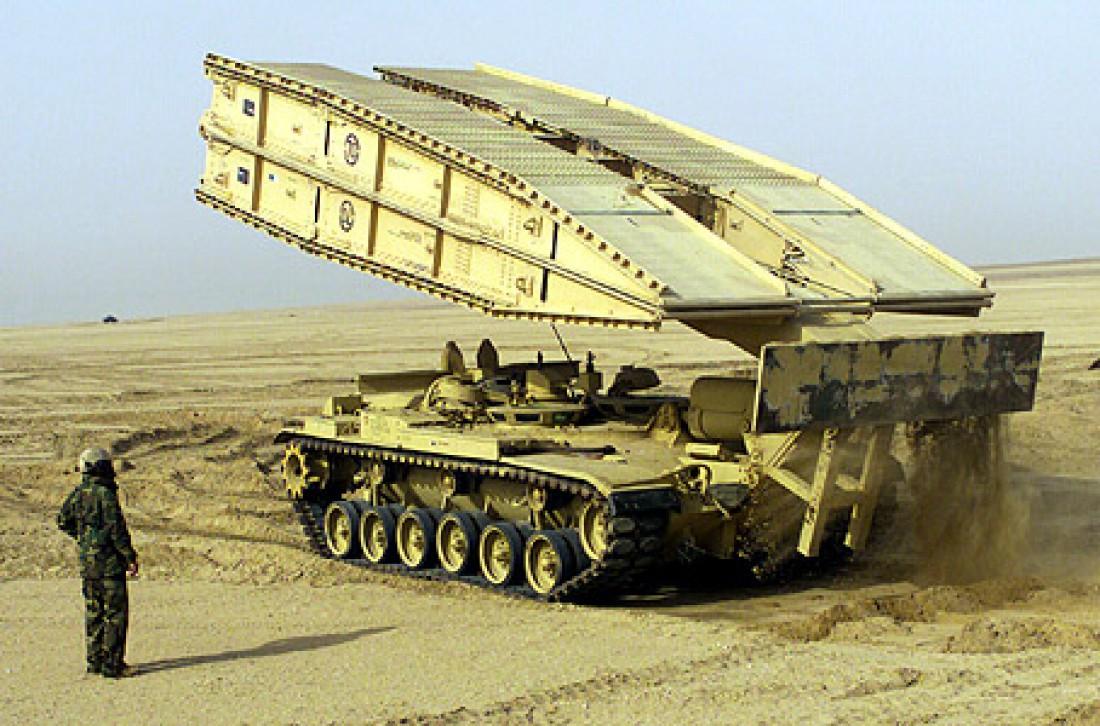 Американский танковый мостоукладчик M60 AVLB