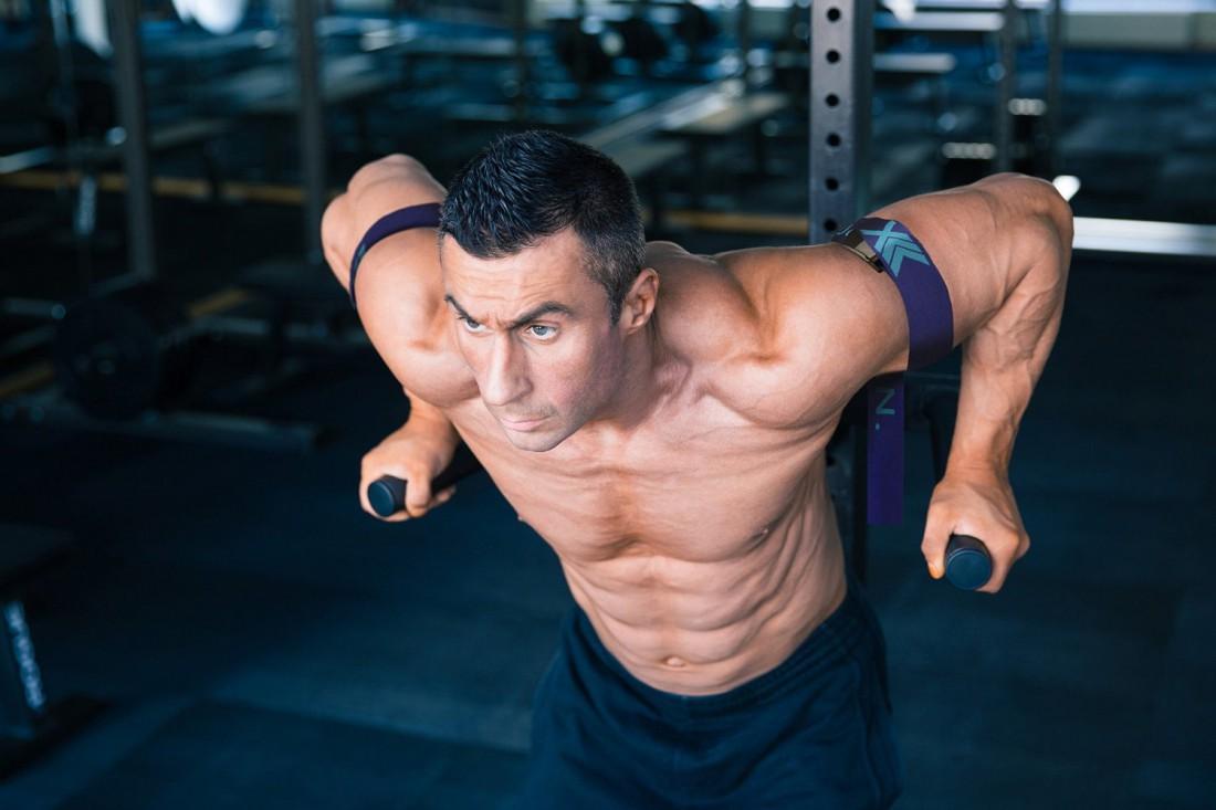 Меняй периодически акцент с груди на трицепсы и наоборот - чтобы прорабатывать все мышцы