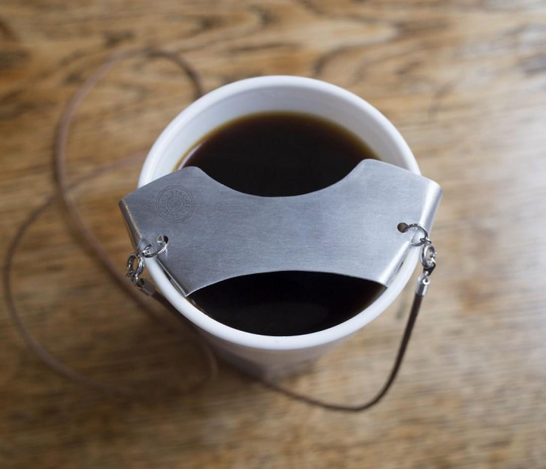Можно и как накладку на чашку или бокал использовать