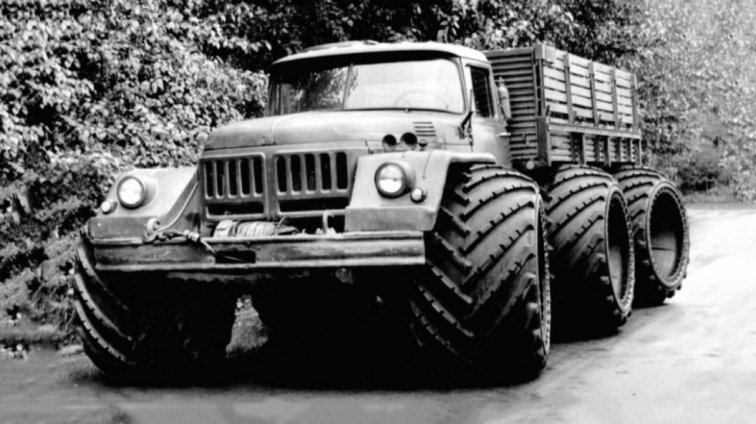 Экспериментальный грузовик ЗИЛ-132 с арочными колесами