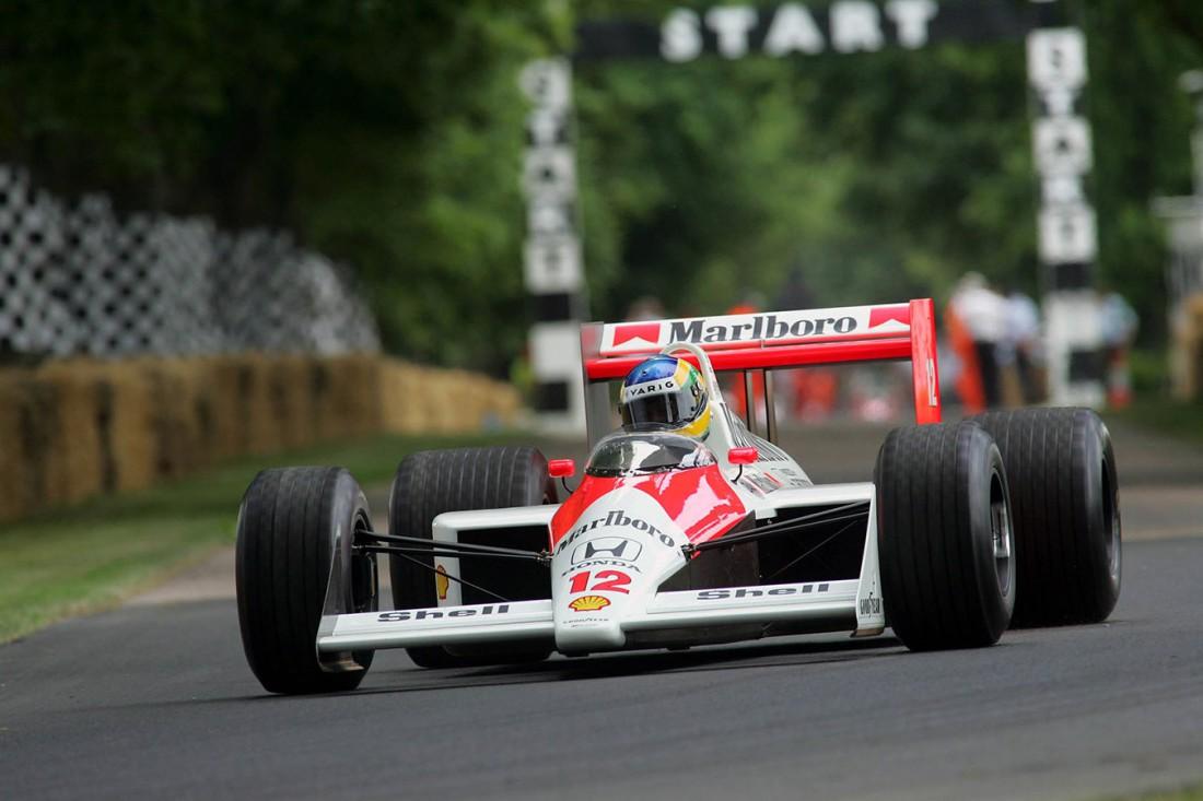 McLaren MP4/4. Принимал участие в 16-ти гонках. В 15-ти победил