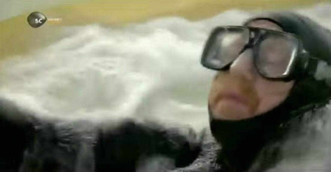 Адам Сэвидж в башне с водой и пузырьками