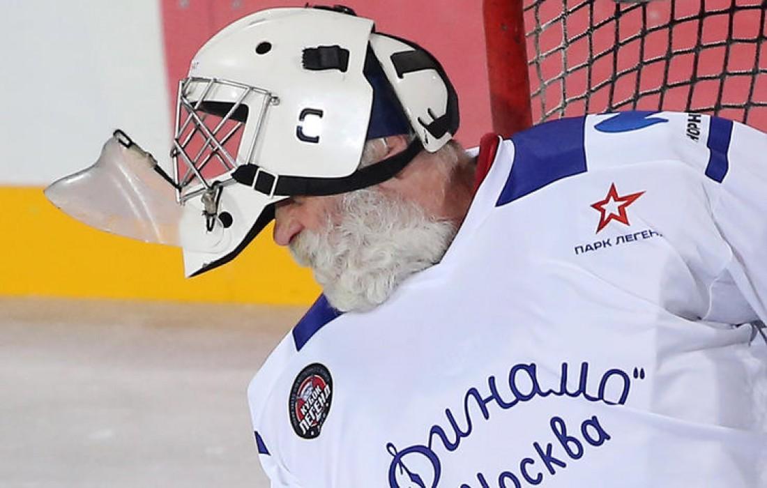 Московский хоккеист Сергей Бабарико