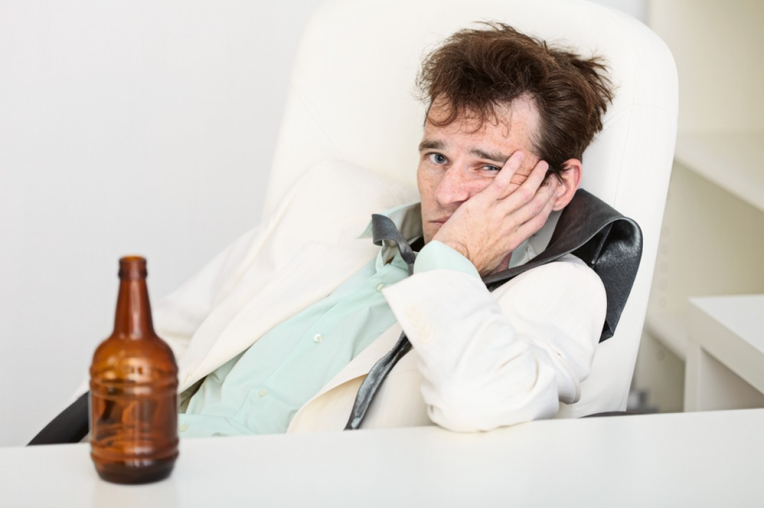 Плохо не от выпивки, а ее передозировки
