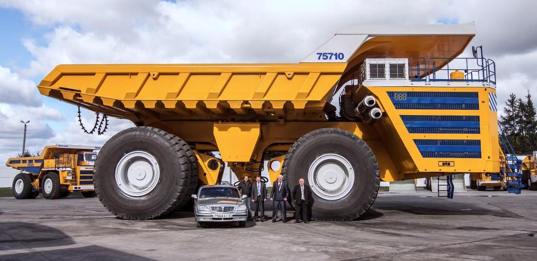 БелАЗ-75710 — машина прожорливая: ест 300 литров топлива на 100 км пути