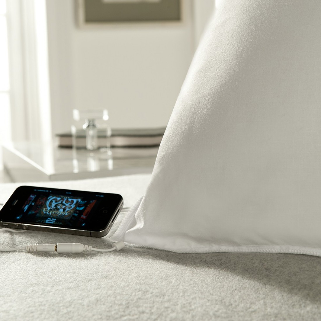 Sound Asleep Pillow — подушка с вмонтированным динамиком
