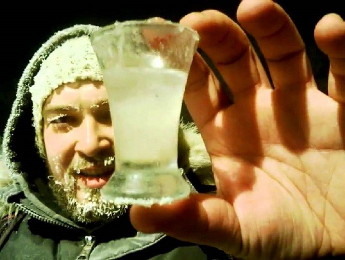 Ней пей водку на морозе — рискуешь простудиться