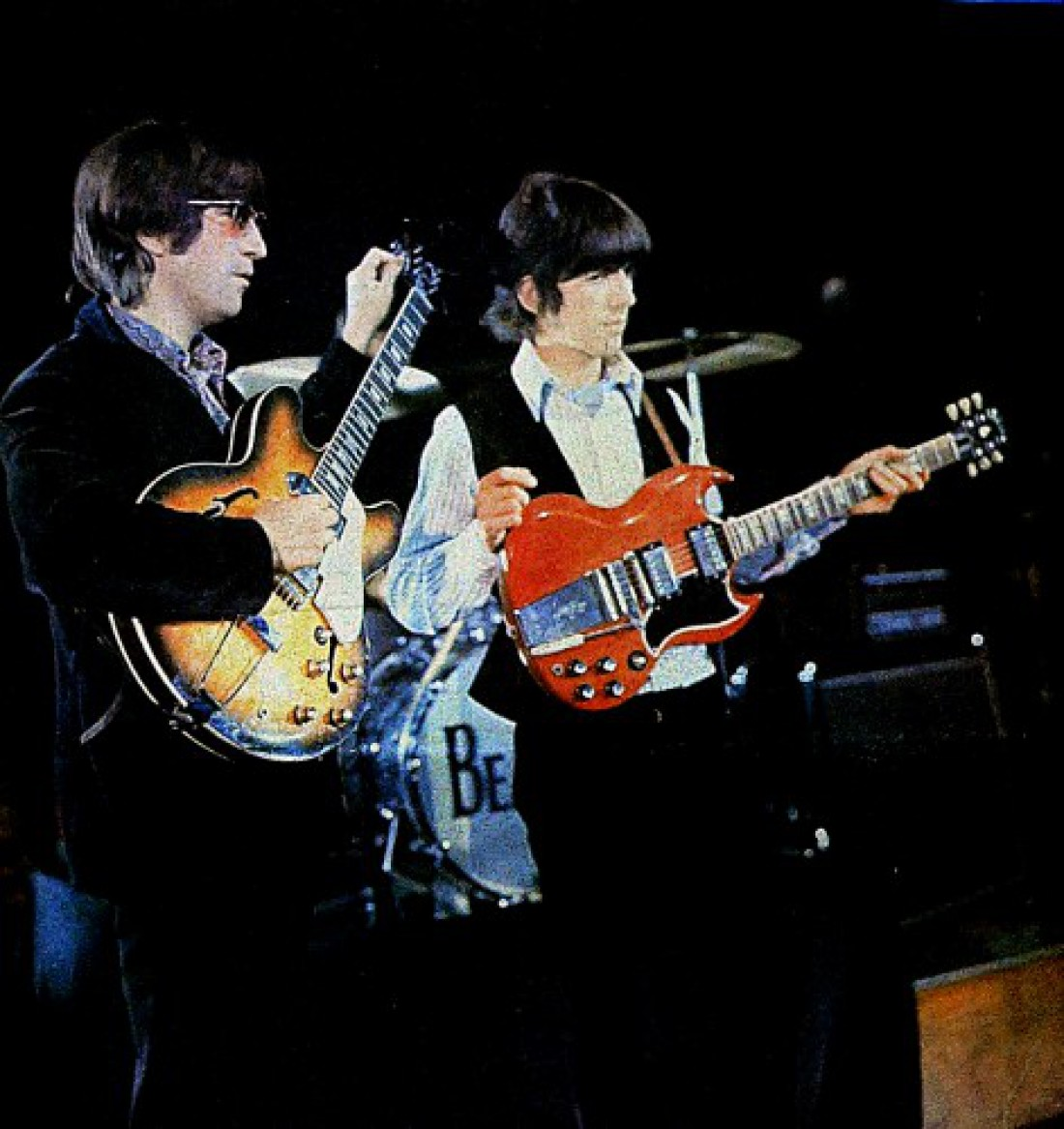 George Harrison and John Lennon's 1964 Gibson SG (красная) — $570 тысяч