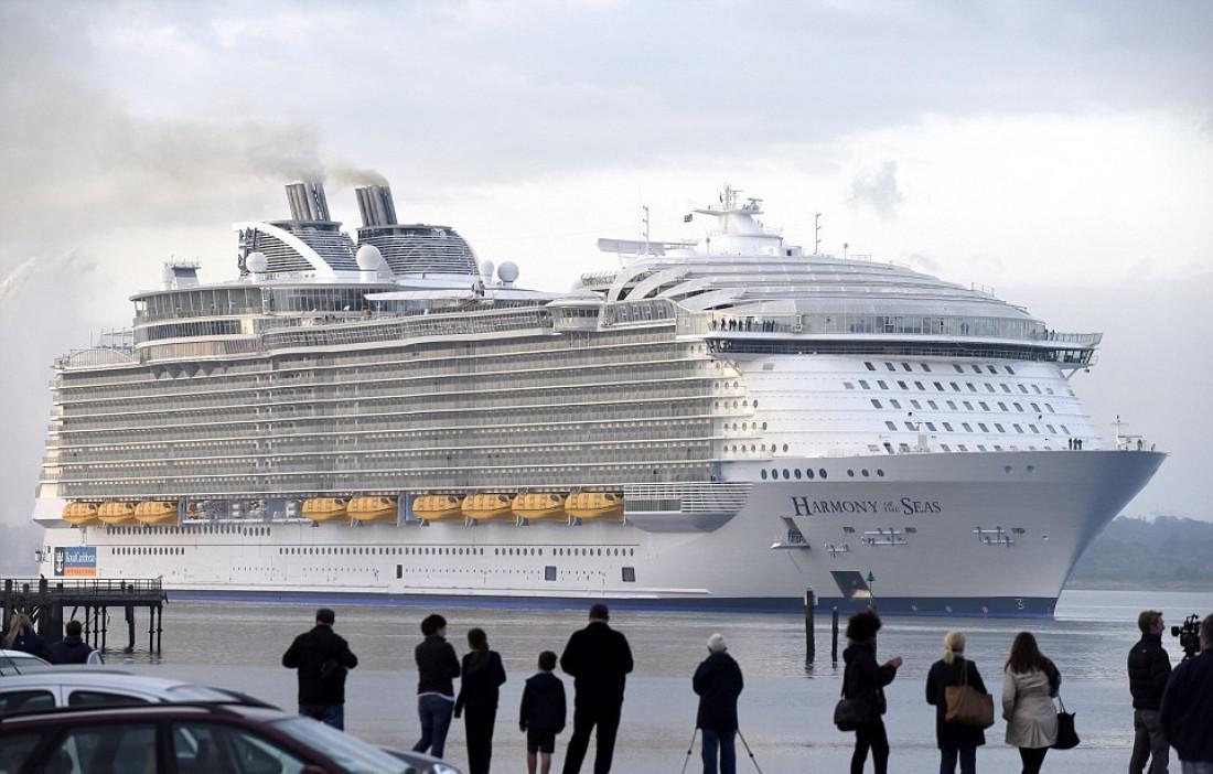 Лайнер Harmony of the Seas недавно отправился в свое первое путешествие