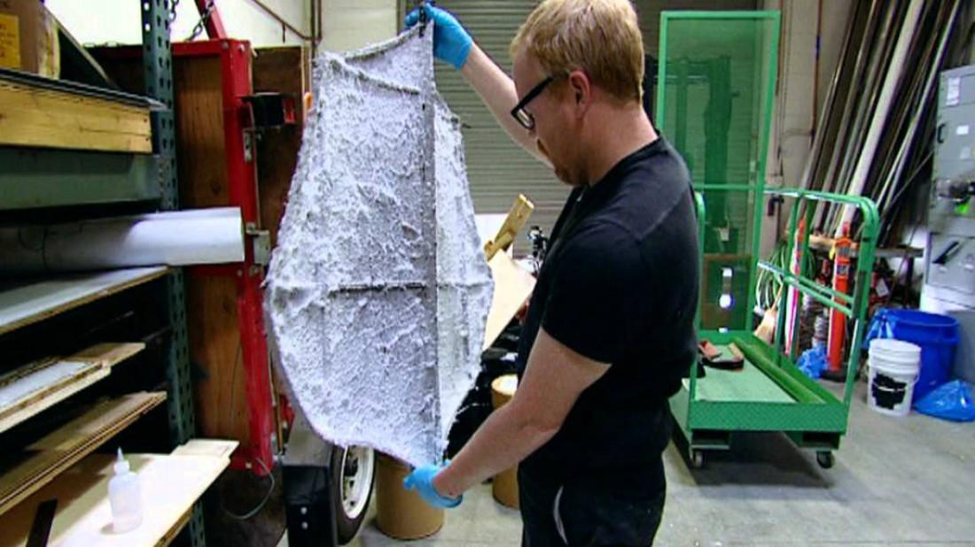 Адам Сэвидж и его 2-килограммовый планер