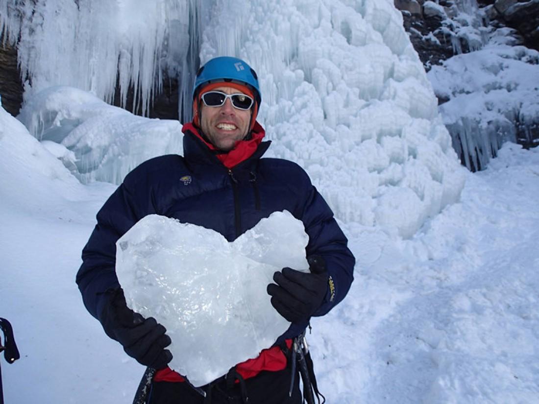 Эрик Вайхенмайер — американский слепой атлет и путешественник. По состоянию на 2015 год, единственный в мире слепой человек, покоривший Эверест
