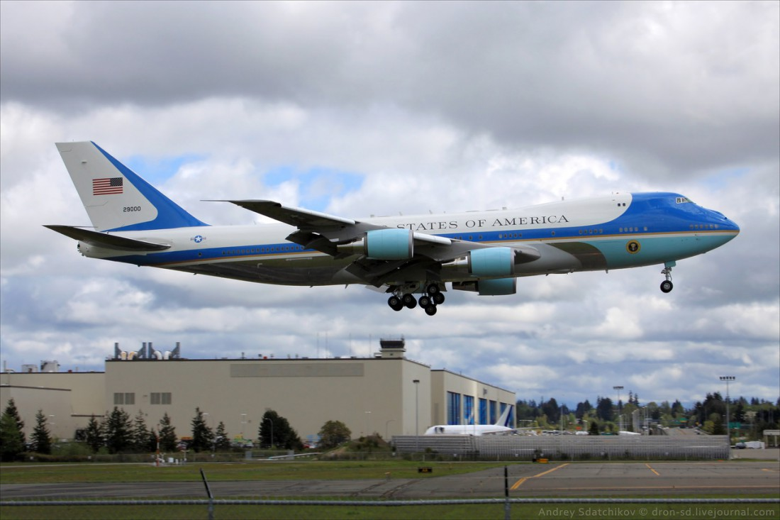 Борт №1 — самолет, на котором летает президент США
