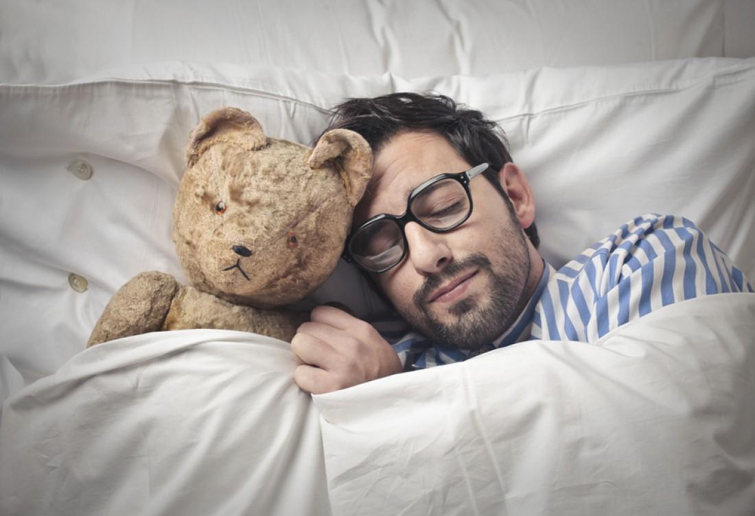 Секс поздним вечером на кровати 7 фотография