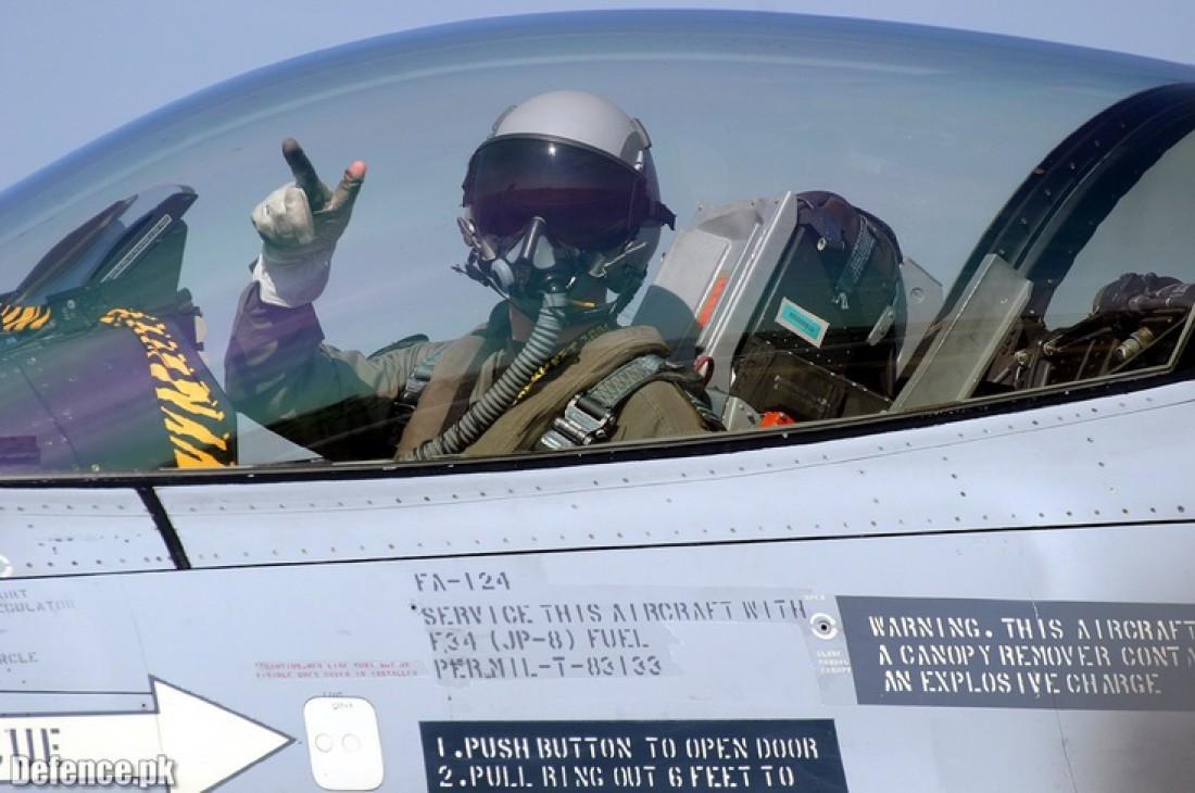 Не паникуй: даже если не умеешь пилотировать, самолет все равно приземлится