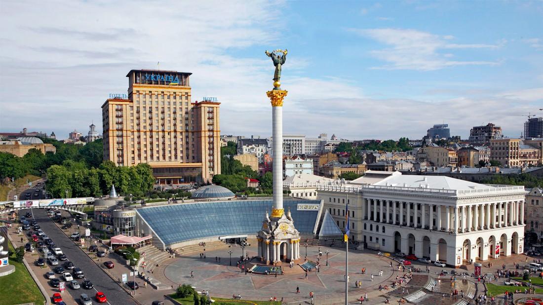 Одна из главных площадей суверенной Украины. Узнал?