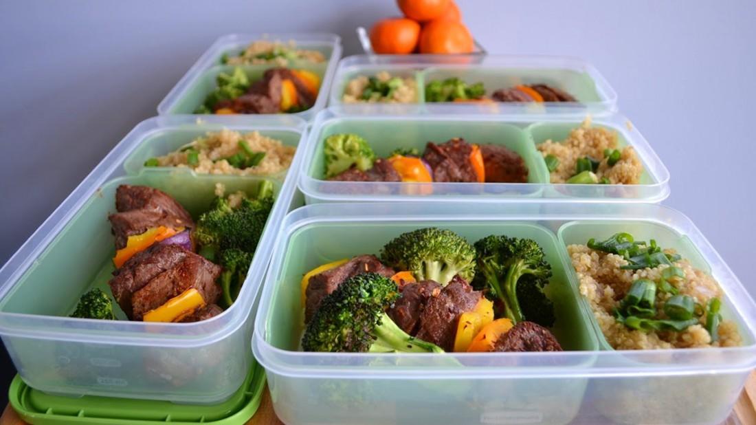 Ешь маленькими порциями, чтобы не перегружать желудок